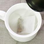 熱湯を注ぎます。
