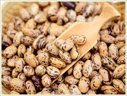 厳選した北海道産うずら豆を使用